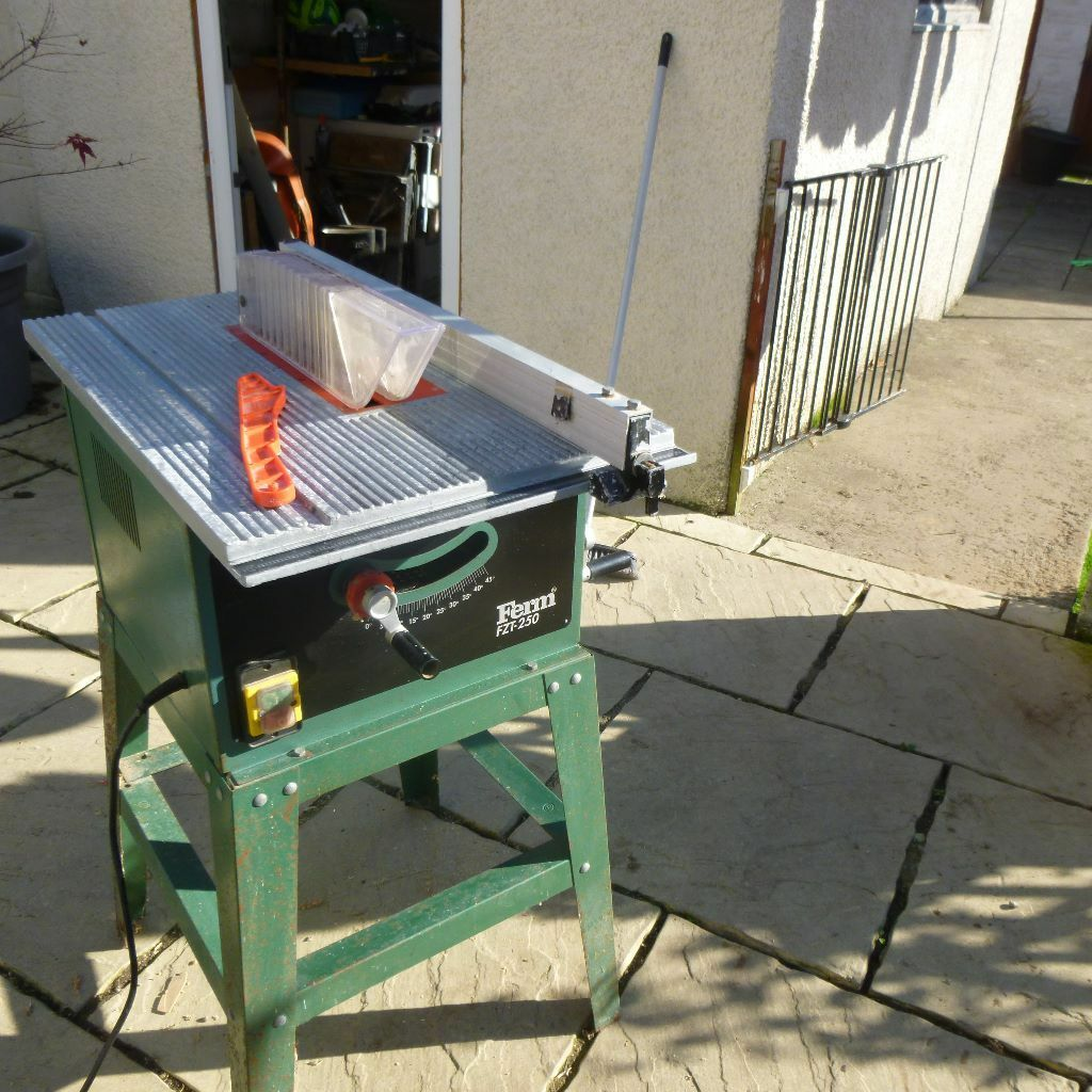 Ferm Fzt 250 Table Saw And Stand In Bridgend Gumtree