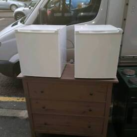 on the counter fridge £45 a piece (GUARENTED WORKING)