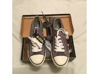 Haywire canvas shoes brand New Size 4