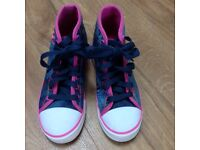 Heelys Size 4 - Blue and Pink - great condition