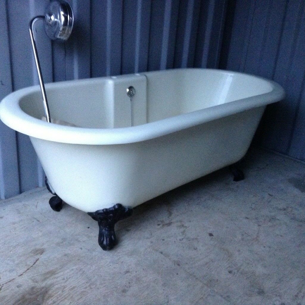 Cream acrylic roll top bath | in Bournemouth, Dorset | Gumtree