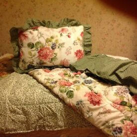 Double bed set of linen - made by Cannon