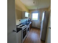 Very spacious HMO 3 double bedroom flat in Gorgie right on main bus routes to all Universities