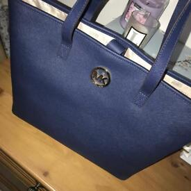 *BRAND NEW* Michael Kors Jet Set Travel Tote in Navy Saffiano Leather