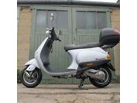 Vespa Piaggio ET2 Scooter