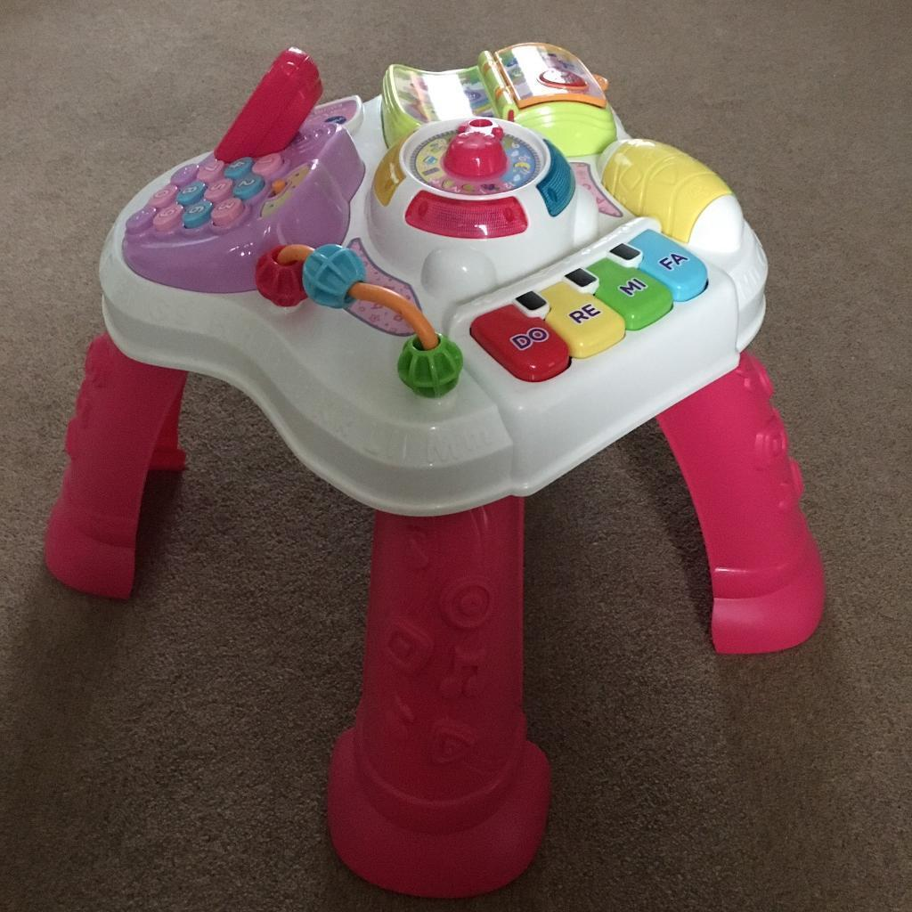 V Tech play activity table in excellent condition with lights and sounds