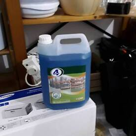 General purpose cleaner concentrate