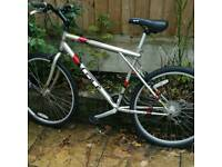 Hardly used GT mountain bike. Excellent conditions