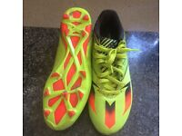 Football boots size 7