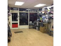 High Road Large Shop Unit For Lease - No Premium. £14,500/Yr.