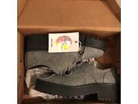 MONKI Brand New Shoes EU39
