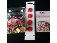 A bag and 2 sets of buttons