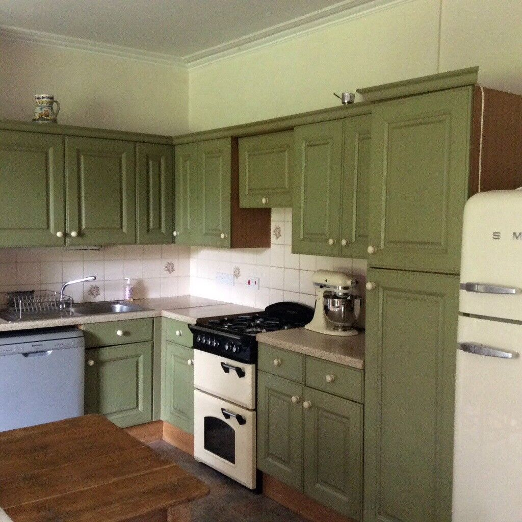 Kitchen Shelf Gumtree: Country Kitchen Cupboards Olive Green For Complete Fitted