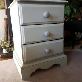 Bedside cabinet / drawers / table, as new, solid wood, Paris grey
