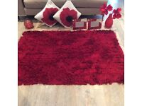 For sale livingroom red soft furnishing and accessories bundle
