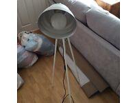 Habitat tripod lamp (like new)