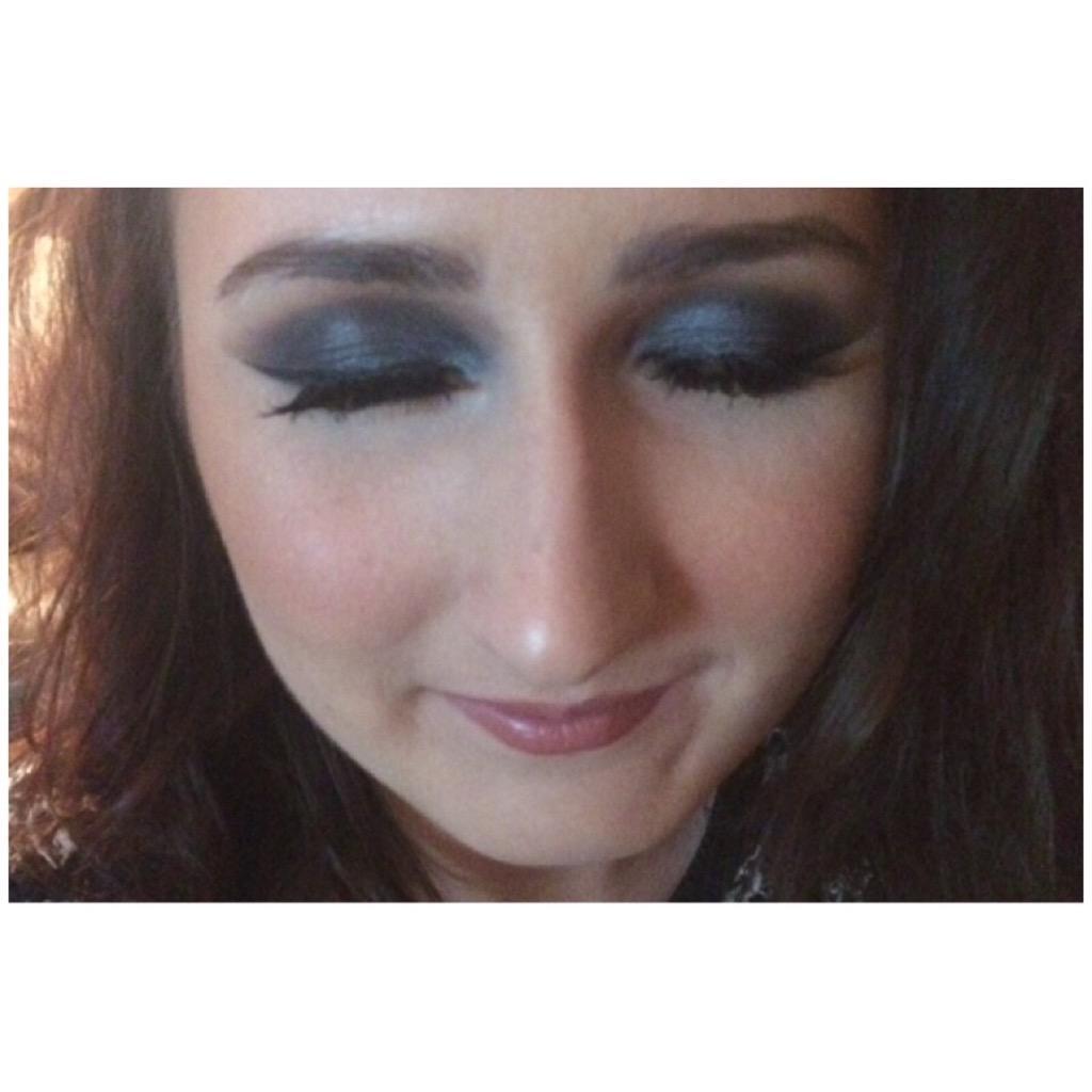 east kilbride - makeup artist in training   in east kilbride