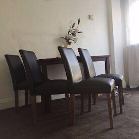 Nice table + 4 chairs