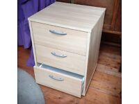 Small 3 drawer chest ( Ikea )