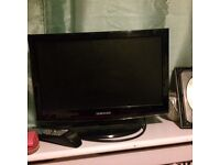 "Samsung 19"" tv with freeview"