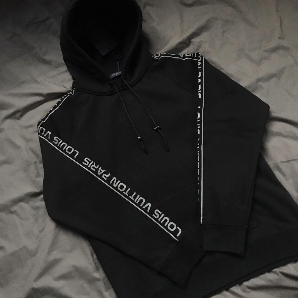 acaf4217d46 LOUIS VUITTON REFLECTIVE SLEEVES GRAVITY HOODIE