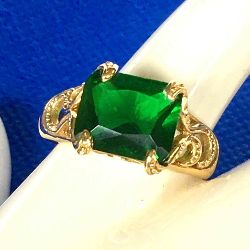 Vtg. Marked Premier Designs Open & Lacy Gold Tone w Emerald Green Crystal Ring