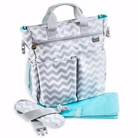 Brand New Unisex Changing Bag With 13 Pockets & Free Nappy Changing Pad Included