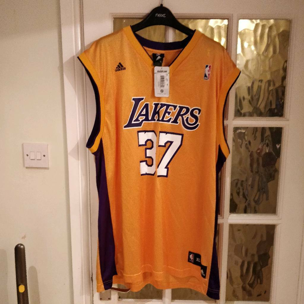 152d7164496 New LA Lakers basketball top with tags | in Aylesbury ...