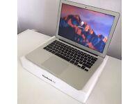 """2014 13"""" Apple Macbook Air i7 1.7Ghz 8GB 256GB SSD Intel HD 5000 GPU RRP £1349"""