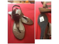Silver Toe Post Sandals (New) Size 8 Wide Fitting