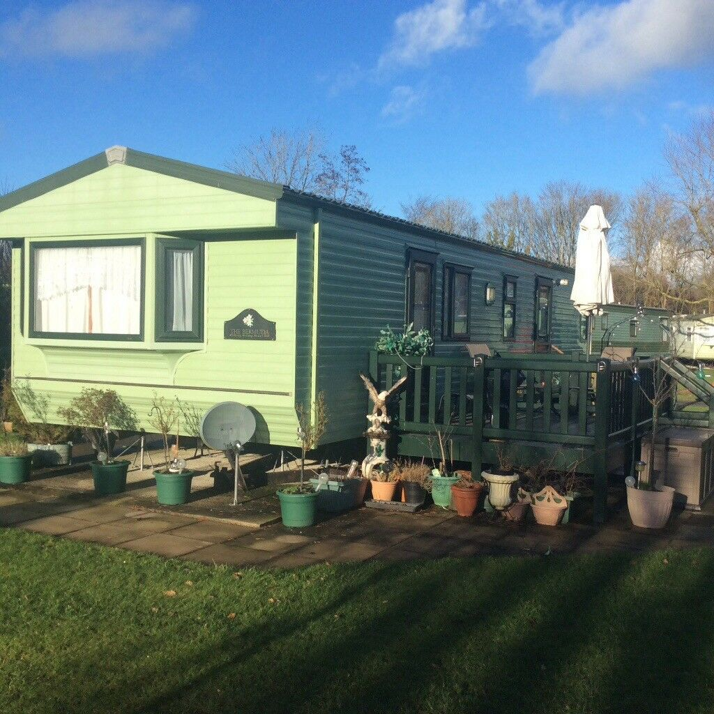 Willerby Bermuda Limited Ed Caravan. End plot. Sleeps 6. Immaculate condition!!!