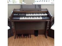 Hohner D120 organ