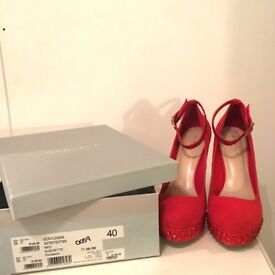 Very Beautiful Red CARVELA Heels Size 7 Great for Christmas