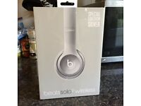 Beats Solo 2 Wireless Headphones - Special Edition - Silver