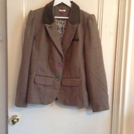 Joe Browns design Ladies Tailored Jacket. Size 18. New. RRP £60.00 our price £ 30 plus £2.50 p&p