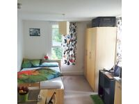 Fabulous Large Studio With Wifi Near Shops & Station.Most Bills Inc.5 mins to King's Cross.Must See
