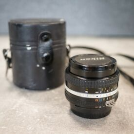 Nikon 20mm f3.5 Ais lens (manual focus)