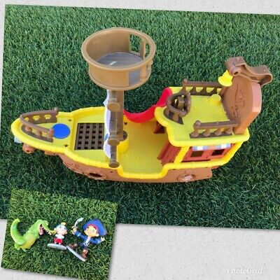 Jake And The Neverland Pirate Ship (Jake and the Neverland Pirates Bucky Ship with Figures ~ Fast)