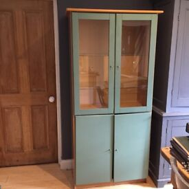 Lovely green display cabinet. Very good condition.