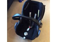 Maxi-cosi seat and isofix together
