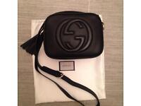 Black pebbled leather Gucci soho disco
