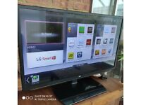 47 LG 3D Smart TV with swivel stand