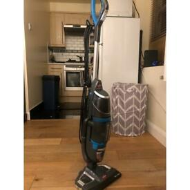 Vacuum cleaner with steaming