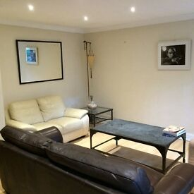 Maida Vale house for rent. 3 double bedrooms and 3 bathrooms.