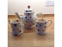 Collectable Emma Bridgewater tea pot and mugs