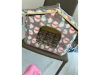 Small dogs cat house bed