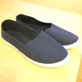 Dorothy Perkins blue casual shoes Size 8 - £3