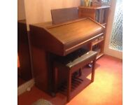 electric organ with Stool good condition