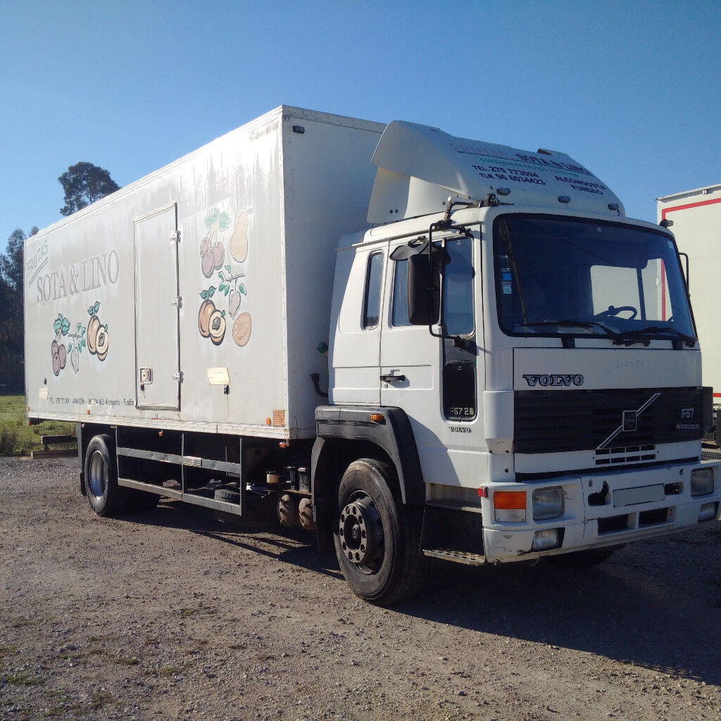 Left hand drive Volvo FS7.20 260 HP Turbo Intercooler isothermic box lorry.