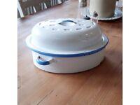 Vintage enamel roasting tray. kitchenalia. retro kitchen. enamel ware.